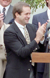 Dick Howser visits the White House in 1985. (Wikipedia)