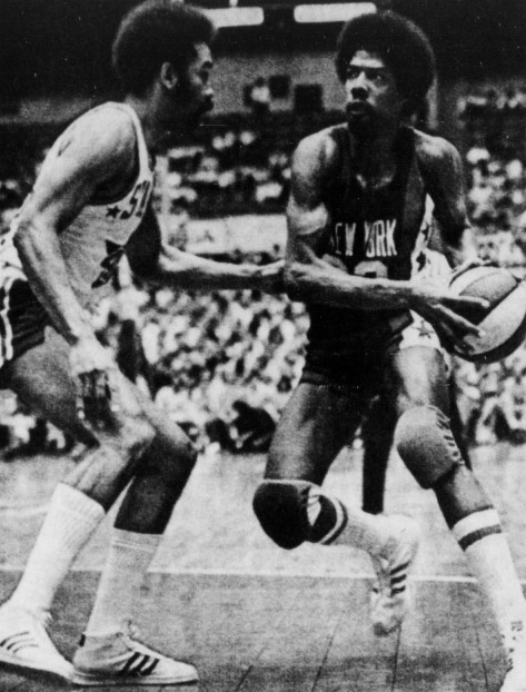 Willie_Wise_and_Julius_Erving_(2)